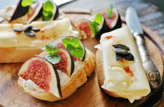 """Smažený sýr není český vynález. Český vynález je """"smažák"""""""