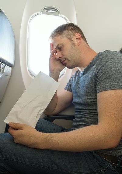 Letíte do teplých krajin? Jak zvládnout let bez nevolností a trombózy