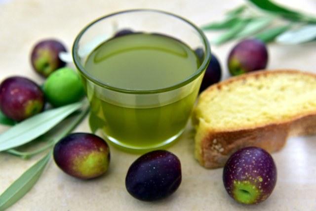 Olivový olej můžete konzumovat ve velkém