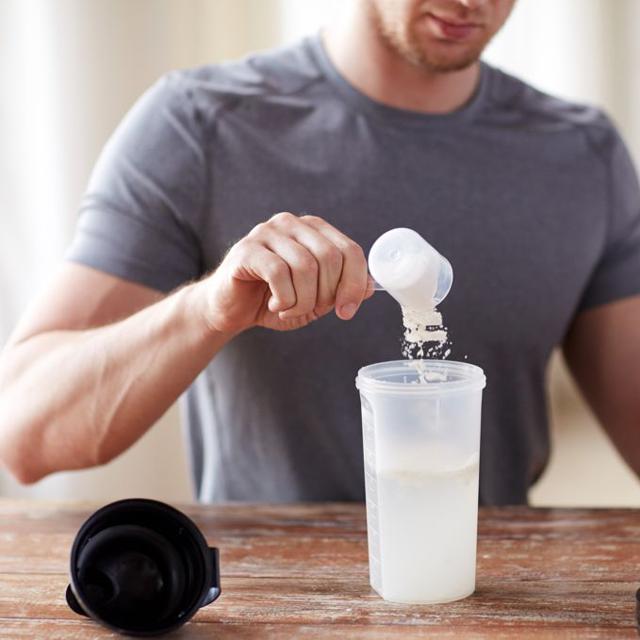 Aminokyseliny při posilování a hubnutí – jaký mají vliv?