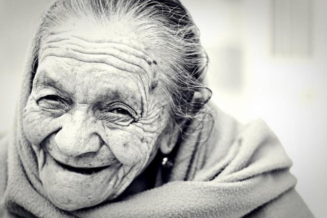 Umíte rozeznat falešný úsměv? Naučíme vás to!