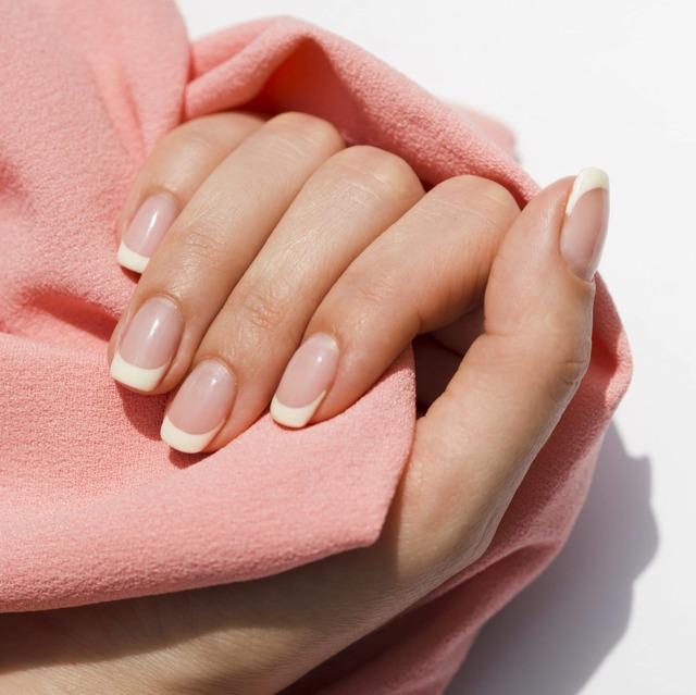 Jak na lámavé a křehké nehty?