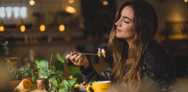 Akné a jídlo – jaký jídelníček?