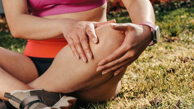 Proč vás klouby bolí? Jak na bolesti kloubů? Poradíme vám pár triků