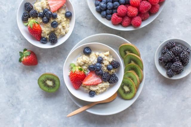 10 receptů jak jíst ovesné vločky chutně