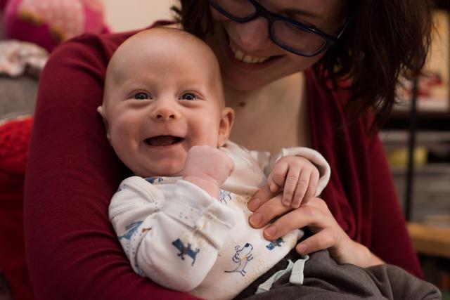 Masáž miminek sbližuje maminku s dítětem – jak na to?