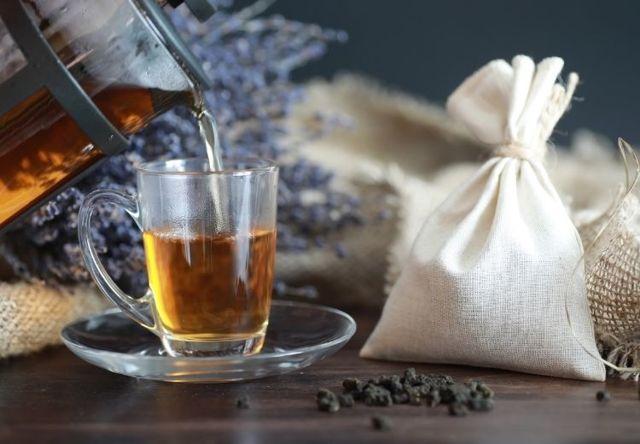 Proč pravidelně pít černý čaj? Zde je 10 zdravotních účinků černého čaje.