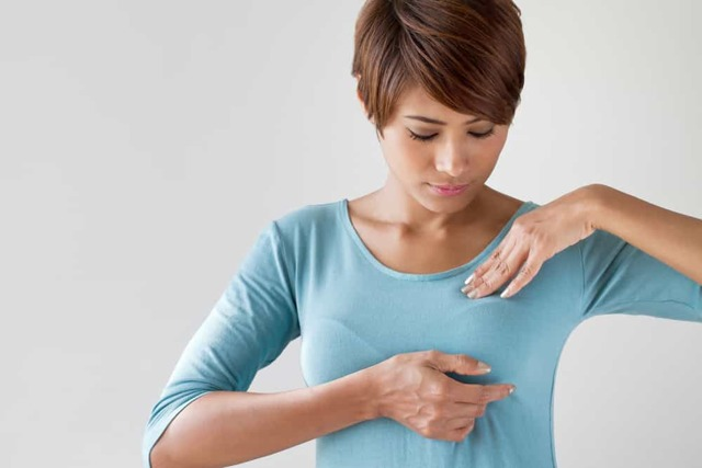Vpáčená bradavka prsu – co na ni pomůže?