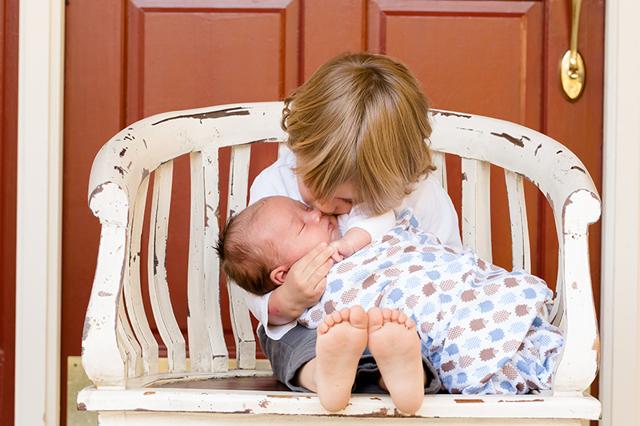 Rivalita sourozenců a jak na ni