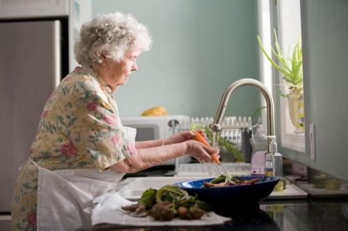 Vyvarujte se přibírání v době okolo přechodu (v menopauze). Jak?