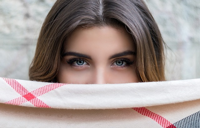 Oční jóga nejen pro unavené oči – jak na cviky?