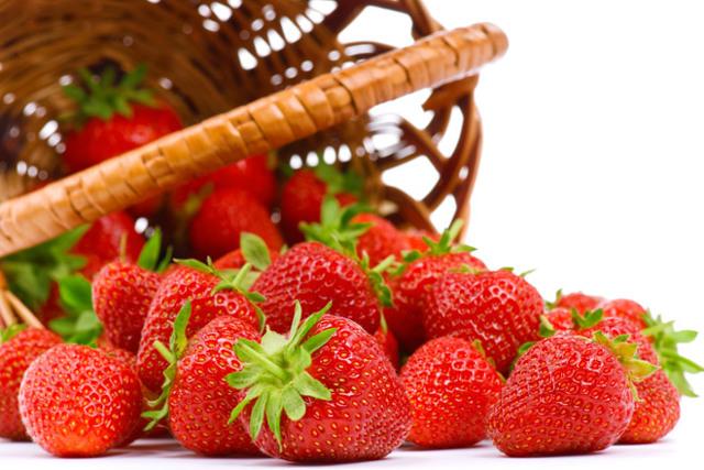 Jahody – jak pomohou vaší pleti a pokožce?