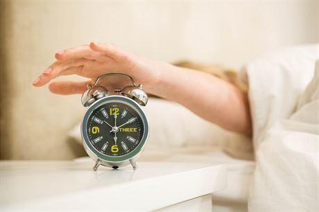 8 + 14 netradičních a funkčních tipů pro lepší spánek