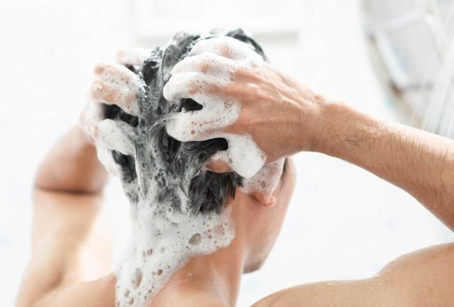 Péče o vlasy – 10 osvědčených přírodních postupů