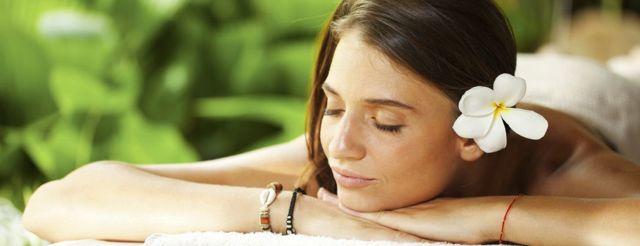 Havajská masáž Lomi lomi a zdraví – má blahodárné účinky
