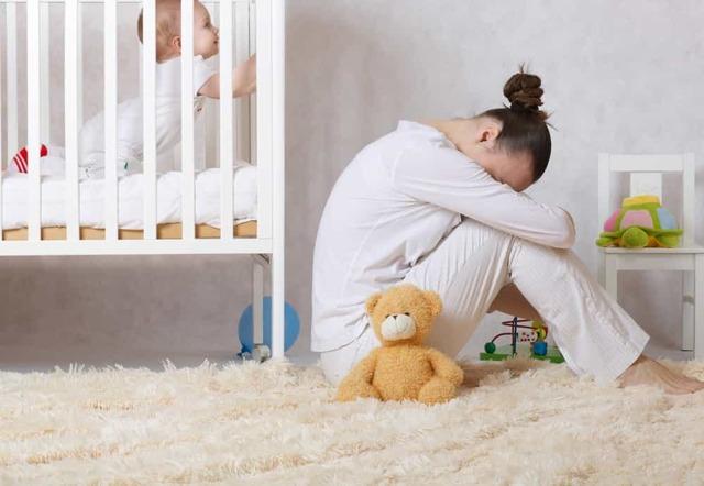 Zažíváte poporodní depresi nebo obyčejný smutek?