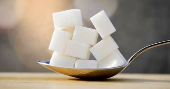 10 znaků toho, že jíte příliš mnoho cukru