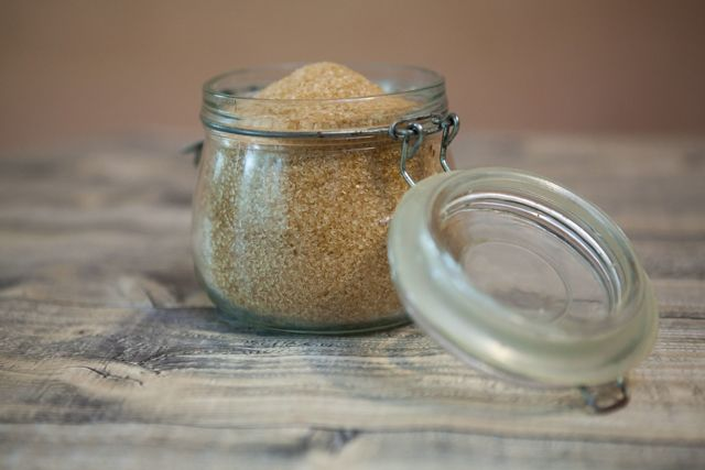 Třtinový cukr – je lepší než ten bílý?